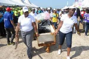 beach cleanup-2